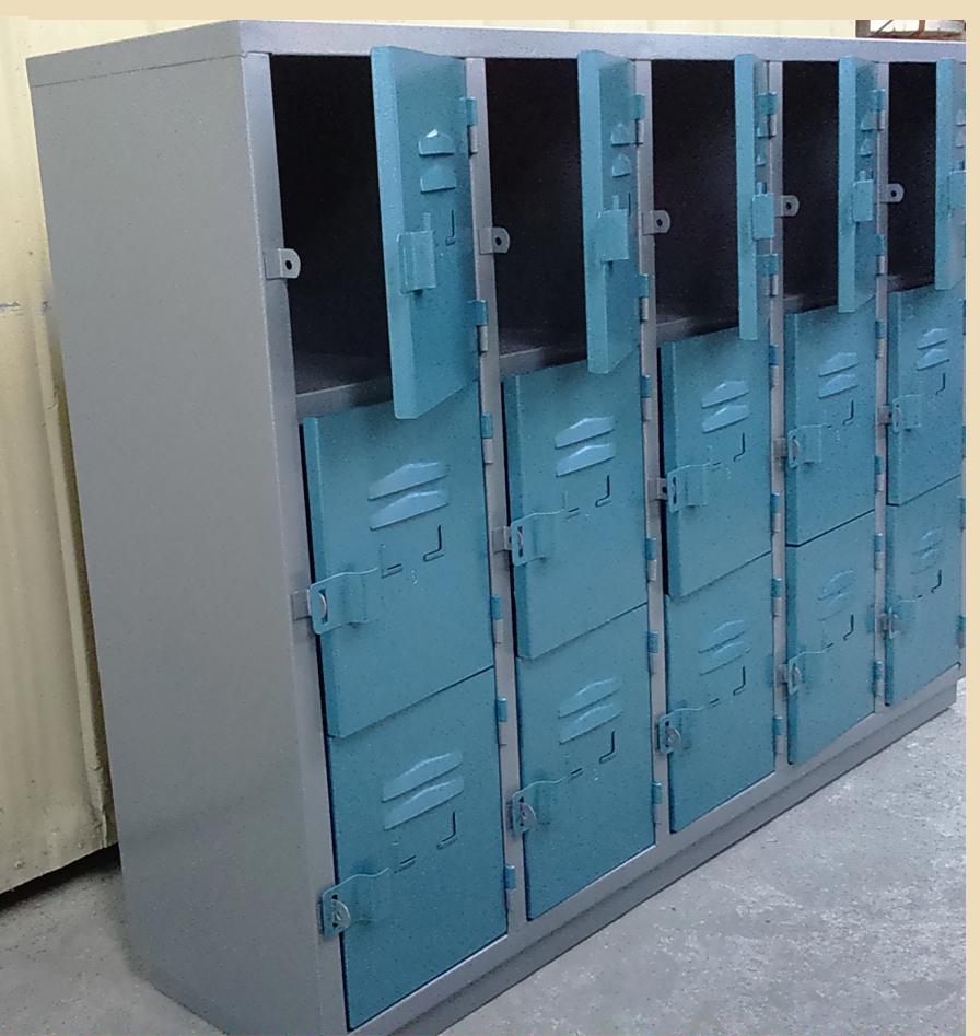 locker-500-3e-con-zocalo-02